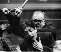 Sergio Leone est un réalisateur et scénariste italien (1929-1989).  Père du western spaghetti, on lui doit  : Pour une poignée de dollars, Et pour quelques dollars de plus et Le Bon, la Brute et le Truand qui demeurent aujourd'hui des classiques et qui permirent au monde entier de découvrir l'acteur Clint Eastwood et le compositeur Ennio Morricone. Il est également célèbre pour : Il était une fois dans l'Ouest, Il était une fois la révolution et Il était une fois en Amérique.