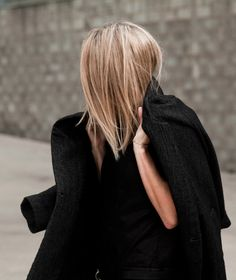 black and blonde #minimal #style