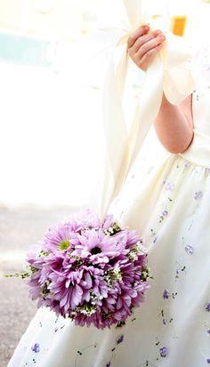 lavender daisy for flower girls #purple #wedding