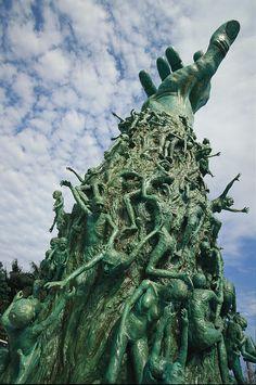 ✭ View of the Holocaust Memorial - Miami, FLA