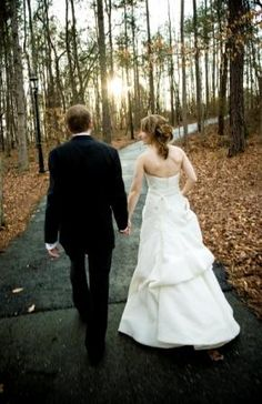 Fall leaves and sunsets make for beautiful #wedding photos at the SBG