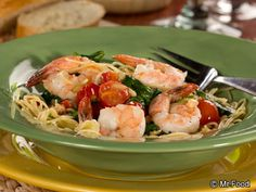 Garlic Shrimp and Spinach - This easy shellfish recipe is an easy, 20-minute seafood dinner you and the family will love.