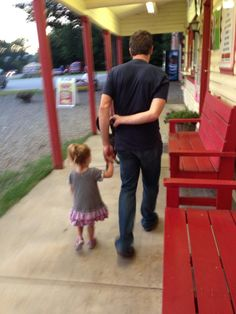 : B with her uncle Martin at the ice cream shop. (B is Brooklyn Newman & Martin is Martin Truex Jr)