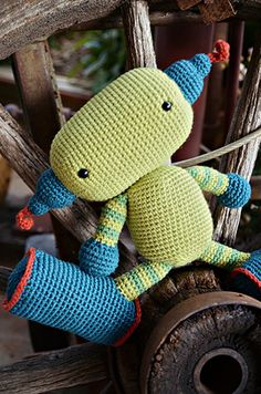 libraries, crochet toys, hands, cakes, teddy bears, batman, robot, crochet patterns, amigurumi