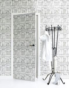 Origineel idee: Behang de deur van de kamer mee! (@ Ariadne at Home) Styling Moniek Visser