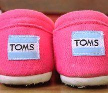 toms, pink