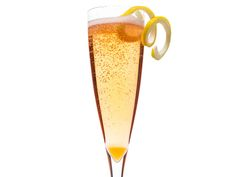 This Aperol Sparkler from #FNMag is perfect for sipping slowly. #FNThanksgiving