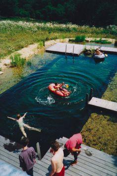 A lake pool? I want to take a dip.