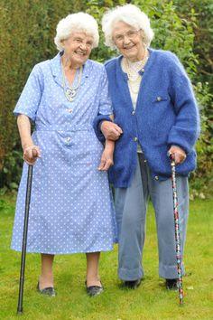 World's oldest twins celebrate 102nd birthdays :)