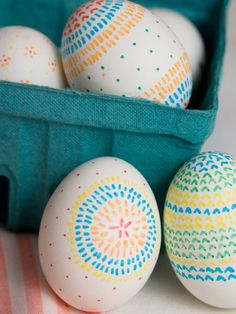 Use fine-tip markers to draw simple dashes and dots in repeating designs on your #Easter eggs.