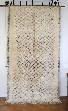 Love this quirky Moroccan tribal carpet. Looks like it was drawn with a Sharpie.