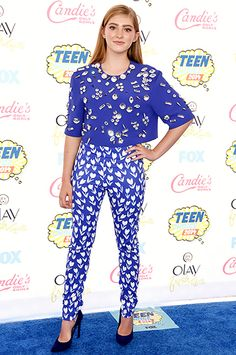 The Hunger Games: Mockingjay actress Willow Shieldsmixed prints with a boxy embellished top and slim-fit pants at the 2014 Teen Choice Awards.
