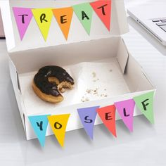 For any impromptu parties you set up at home or at work, these Banner Day Sticky Notes will definitely prove themselves to be extremely handy.
