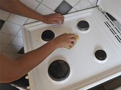 baking soda salt water = oven scrub