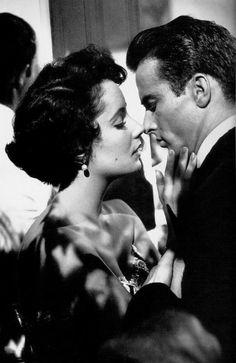 """Montgomery Clift & Elizabeth Taylor en """"Un Lugar en el sol"""""""