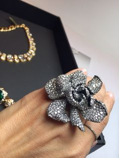 JAR Flower Ring (from the Ellen Barkin auction) hits the block Nov 2014 at Christie's Geneva Jewels by JAR #jarparis #jar #joelarthurrosenthal #jewelsbyjar #jarjewelry #jarjewels