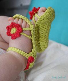 Free Crochet Pattern Flower Power Baby Sandals. Adorable!