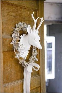 I'm drawn to decor and stuff with a stag motif to it.
