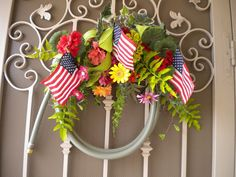 Take an old garden hose and repurpose it as a front door wreath. So e… :: Hometalk
