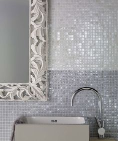 Vetro Chroma by Casa Dolce Casa. Color: Giglio. Ceramic mosaic tile. #glass #tile #mosaic #lily #bathroom