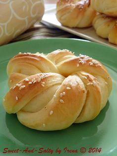 sweet-and-salty: Upletena peciva / Braided Pastry