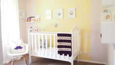 This tiny nursery looks so bright and welcoming! Perfect for a girl or boy :-)