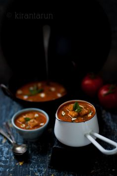 Roasted Spiced #Tomato #Soup | KiranTarun.com #recipes #autumn #winter #roasted #tomatoes #spicy