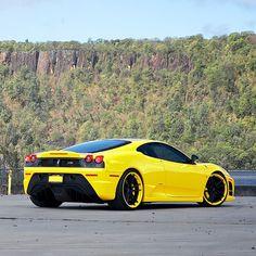 Black & Yellow Ferrari F430 Scuderia