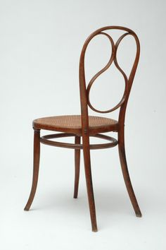 Thonet Chair nr.1 - In 1849 Thonet again founded an establishment of his own, the Gebrüder Thonet. In 1850 he produced his Nr 1 chair. The World's Fair in London 1851 saw him receive the bronze medal for his Vienna bentwood chairs. This was his international breakthrough. At the next World's Fair in Paris 1855, he was awarded the silver medal as he continued to improve his production methods.