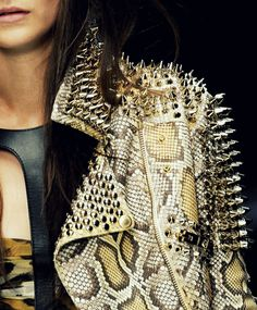snake skin is more chic than other animal print