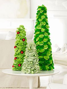 Felt Christmas trees. I will be making these!