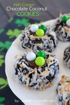 The ultimate thumbprint cookie! #stpatricksday #stpaddys #Irish #dessert #recipe #green