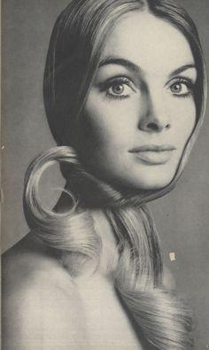 Jean Shrimpton        Vogue - February 1969 vogue, model, richard avedon, jeans, hair accessori, jean shrimpton, fashion poses, portrait, knot