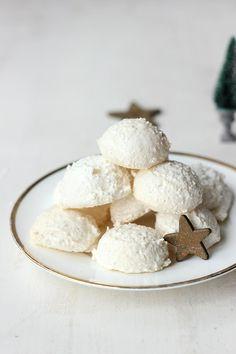 Coconut Snow Balls /