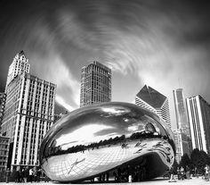 "Cloud Gate, ""The Bean"", Millennium Park, Chicago, Illinois, USA."