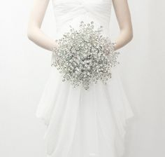 Gorgeous crystals for an alternative winter wedding bouquet with sparkle.