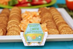 Cheese and quackers tray