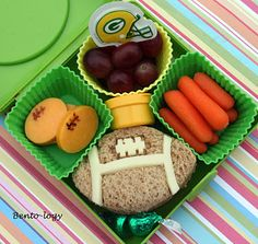 lunch idea, kid meals, kid food, bag lunches, footbal snack, football parties, cute lunches, packed lunches