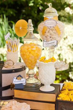 candy display, idea, candy buffet, color, yellow, floral designs, event styling, candi bar, parti
