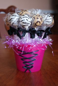 Animal-Print-Cake-Pops. Perfect for diego party