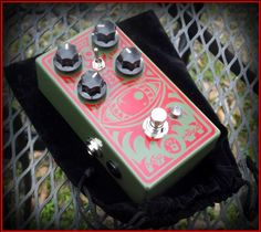 Limited Edition Mojo Hand FX Red Guard Colossus Fuzz Pedal