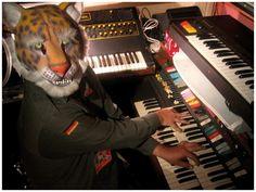 Google Afbeeldingen resultaat voor http://tunesauce.com/wp-content/uploads/2010/07/shawn-piano.gif