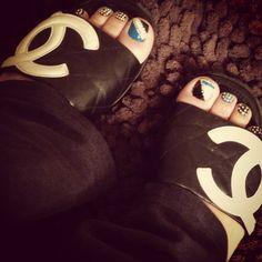Bling Nails wit Swarovski Crystals & Chanel Sandles