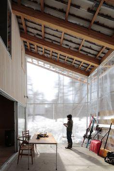 "closed ""outside"" during winter Villa in Hakuba by Naka Studio"