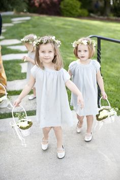 Flower Crowns for flower girls! Photography by msp-photography.co