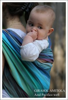 Girasol Amitola Azul Pacifico, a special weft from SlingoMama. One of my all-time favourites, but I don't have it. #girasol #babywearing #sling #wrap