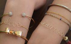 Personalized Wire Bracelet Tutorial ==> http://www.craftdiyideas.com/personalized-wire-bracelet-tutorial/