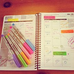 .My planner was just this colorful and organized when I was in college. I need to bet back to this.