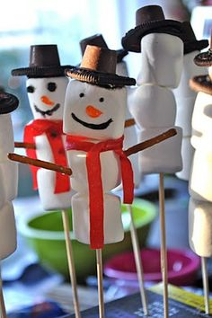 Fun Winter Activity for Kids! large marshmallows, oreos, fruit-by-the-foot, pretzels... or other candies. Super easy, Super cute!