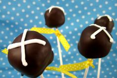 Hot Cross Bun Cake Pops